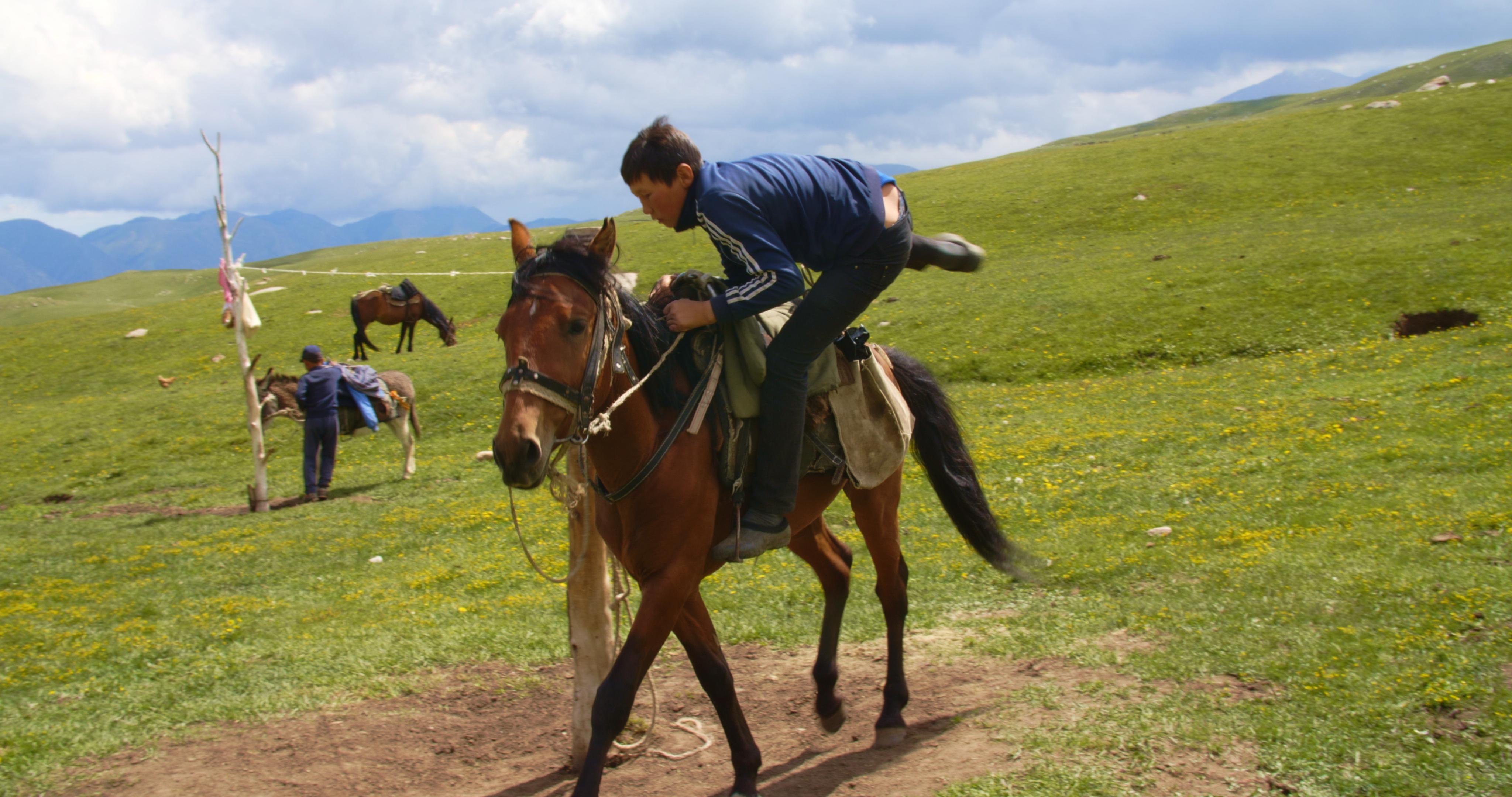 TheBoyFromKyrgyzstan_Stills_1.33.2
