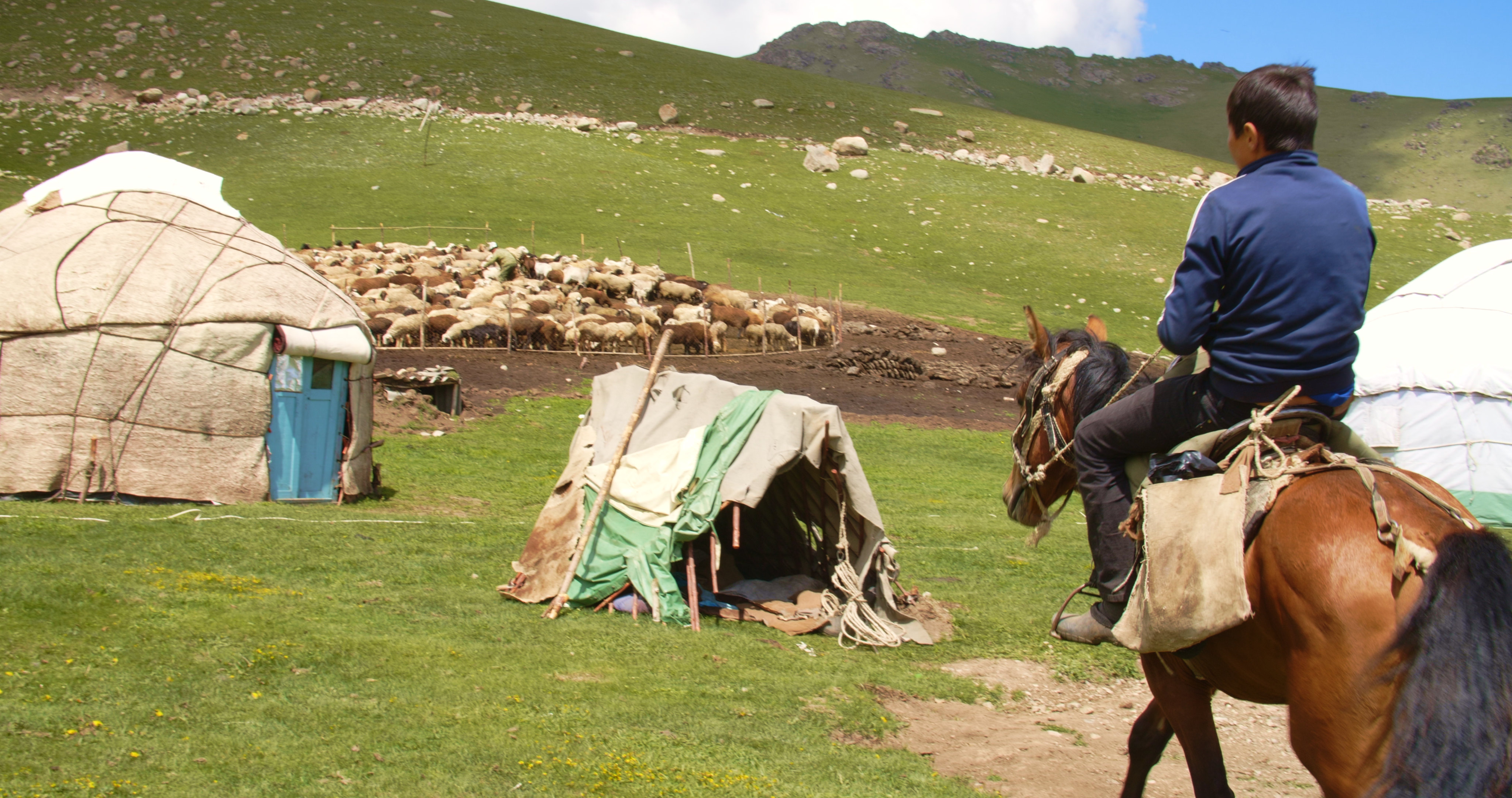 TheBoyFromKyrgyzstan_Stills_1.33.4